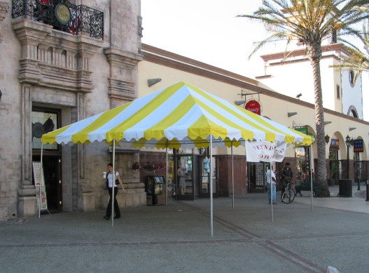 "Commercial Duty 20' X 20' / 1 5/8"" Dia. Frame Luxury Enclosed Event Party Tent"